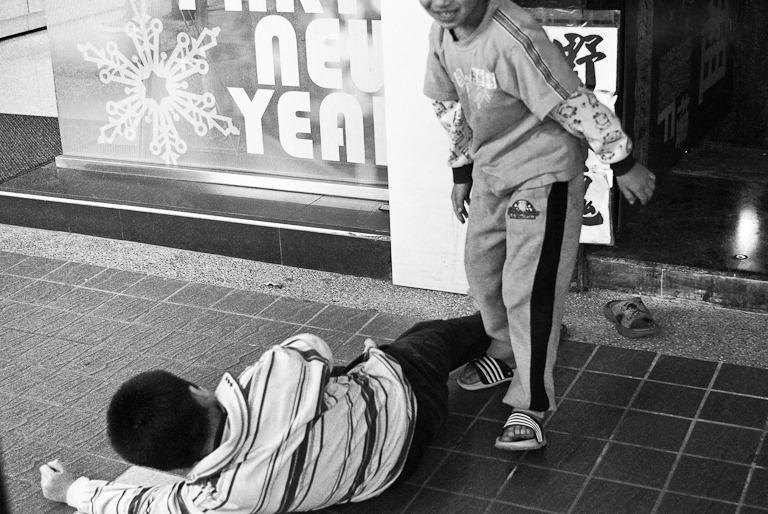 [灰階]城市隨想.Street Fighters!