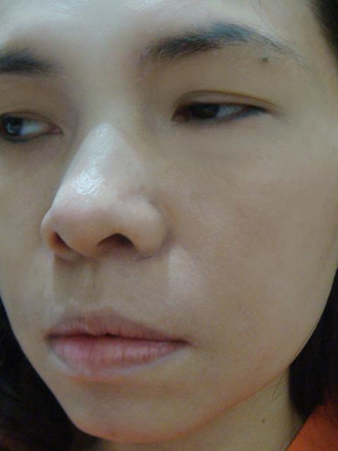 讓人綻放美麗容貌的亮眼彩妝-AVON雅芳全新絕對綻色系列彩妝 親膚美肌嫩白BB霜
