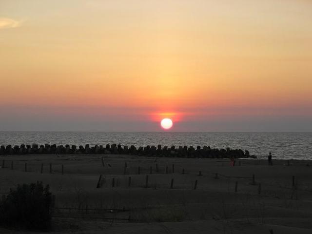 IMG_0508台灣本島最晚入海的夕陽.JPG