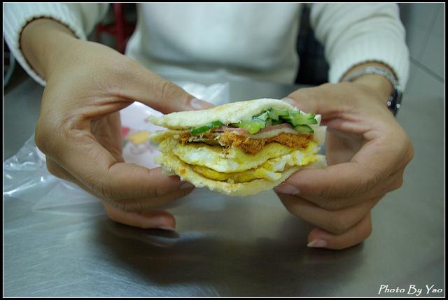 [高雄]鹽埕-大ㄎㄡ胖炭烤三明治