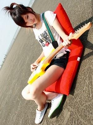 美女吉他手琳琳11