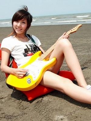 美女吉他手琳琳10