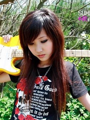 美女吉他手琳琳9