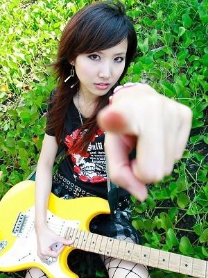 美女吉他手琳琳4