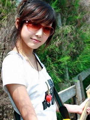 美女吉他手琳琳3