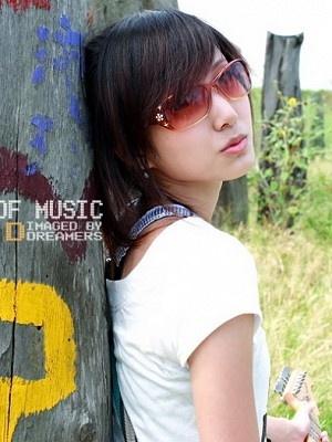 美女吉他手琳琳2